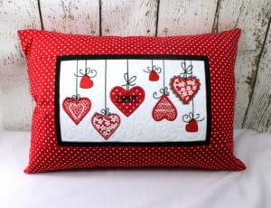 Hearts Pillow (6×10)
