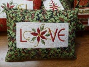 christmas-pillow-love-1
