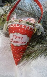 miniatures-christmas-cone-1