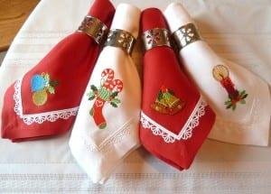 traditional-christmas-napkins-1