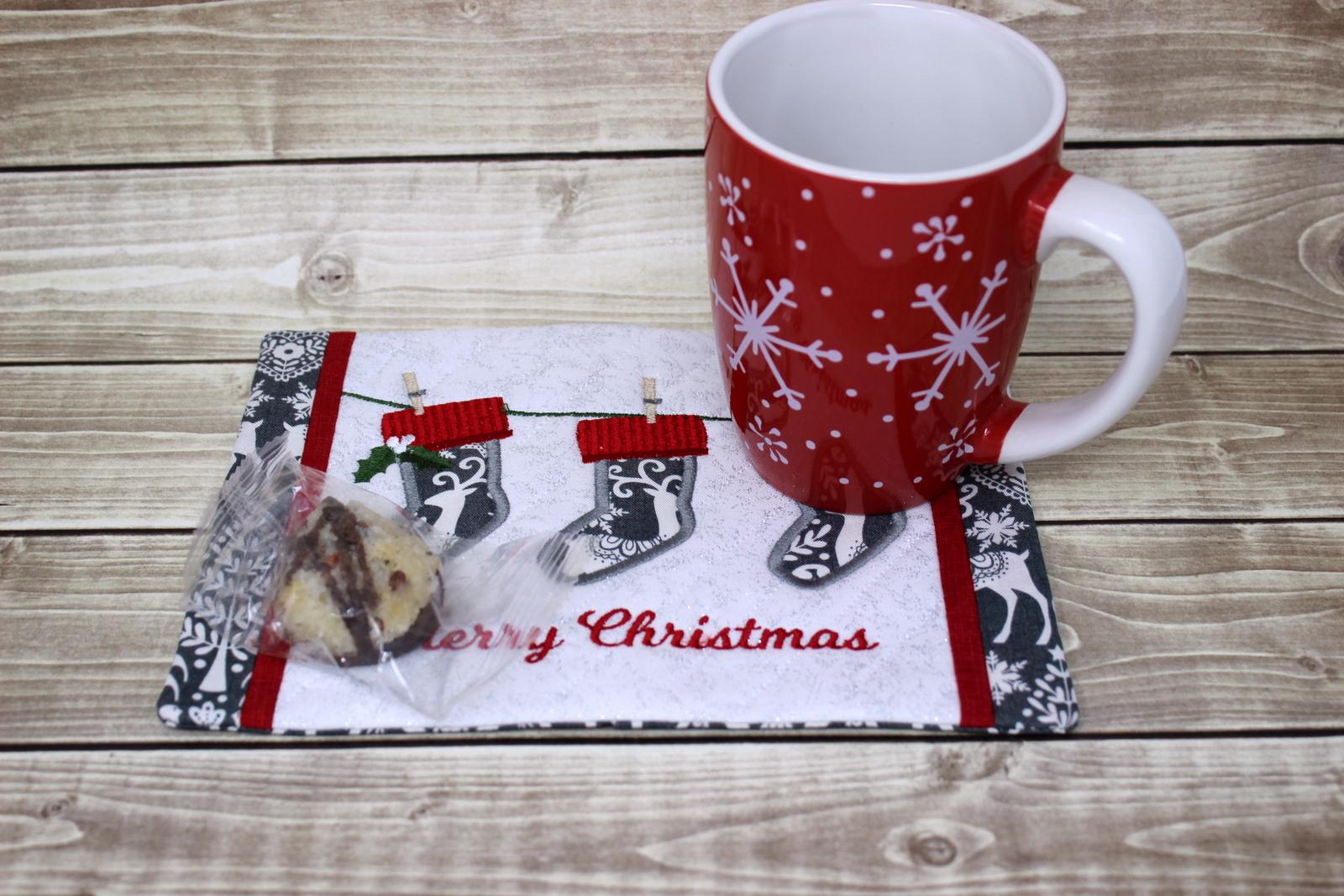 stockings-mug-rug-9