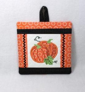 In the Hoop Pumpkin Pocket Potholder (7×7)